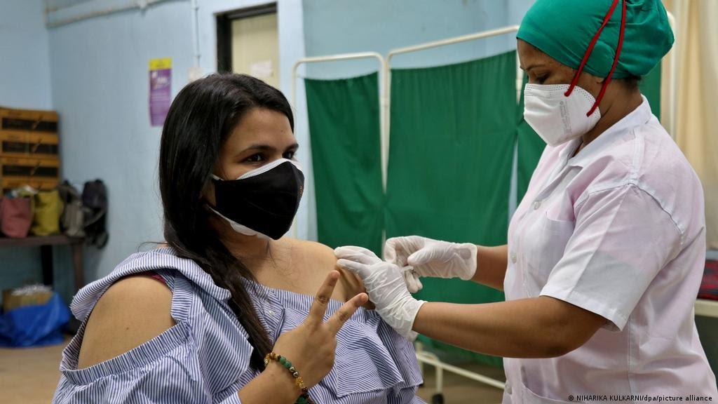 Prohiben el acceso a Europa con la vacuna sinopharm.
